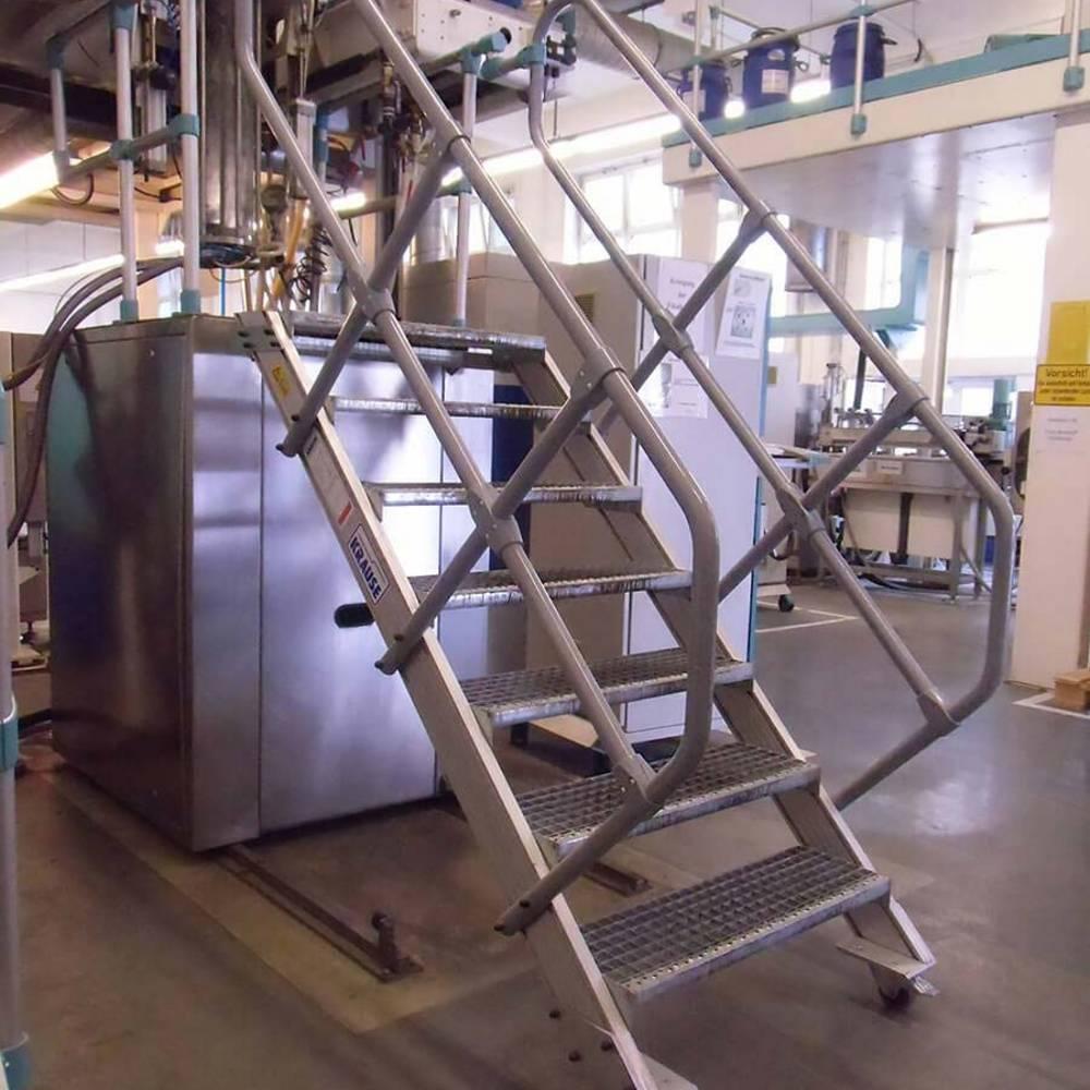 Mozgatható lépcső gépek karbantartásához
