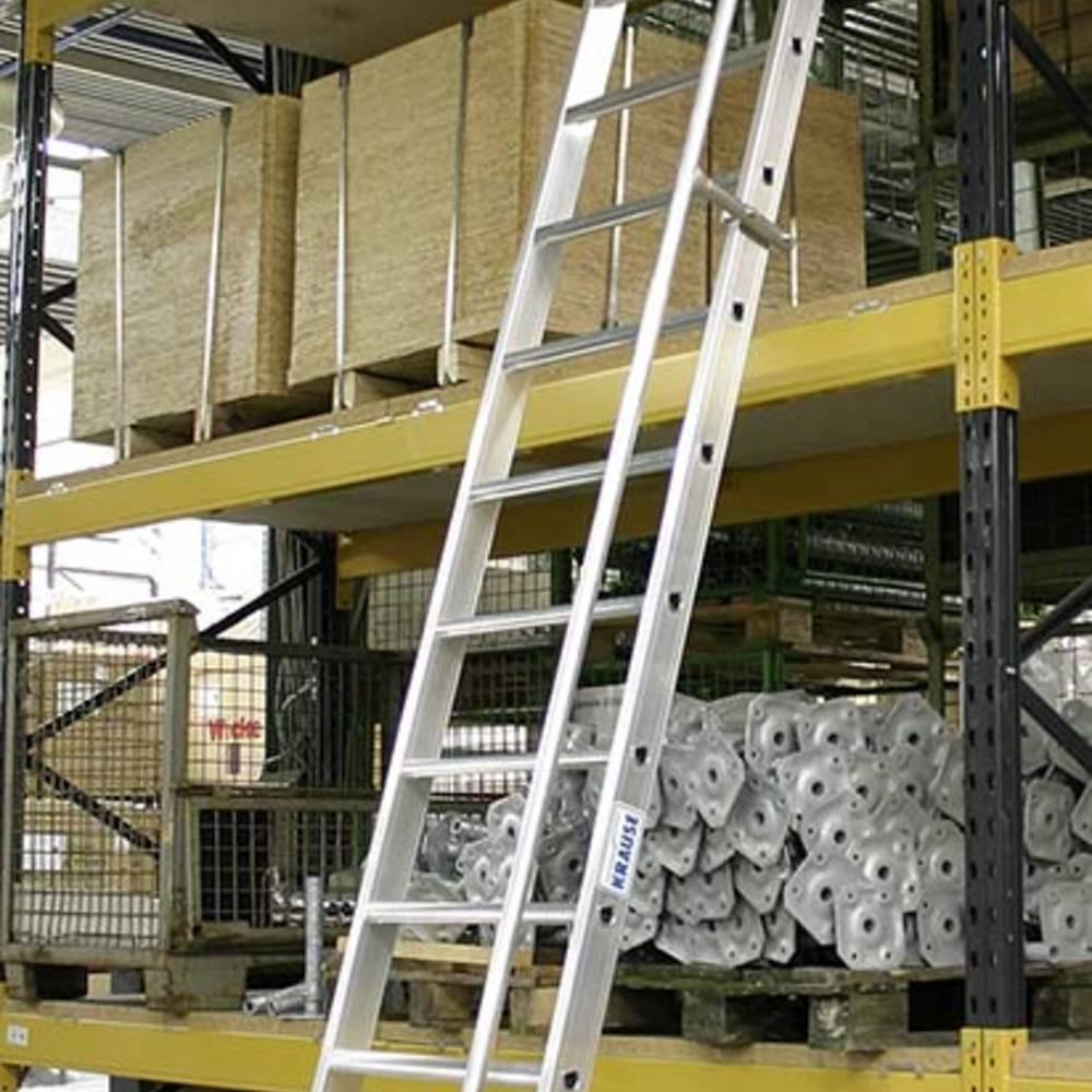 Felakasztható lépcsőfokos létra kapaszkodóval