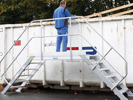 Rögzített alumínium lépcső hulladékkezeléshez