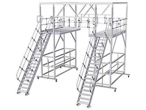 Gurítható alumínium tető-munkaállvány állítható magasságú lépcsővel