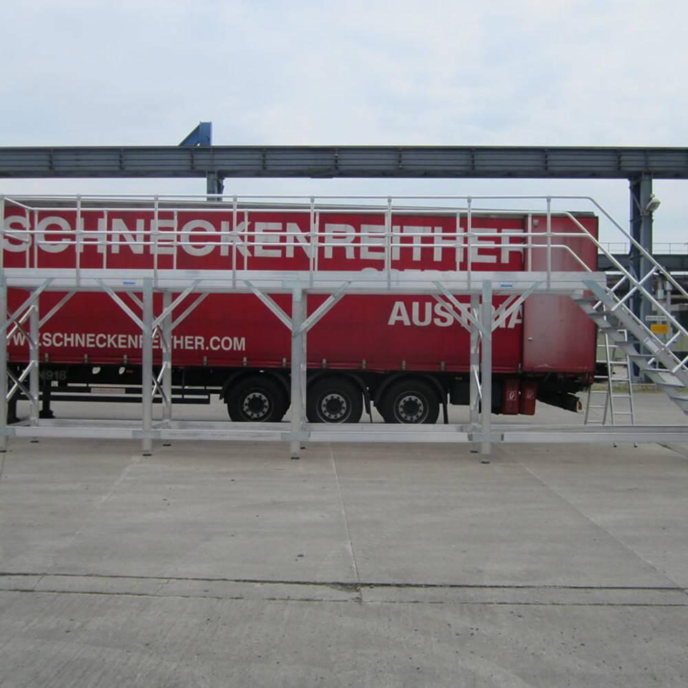 Munkaállvány tehergépjárművek karbantartásához
