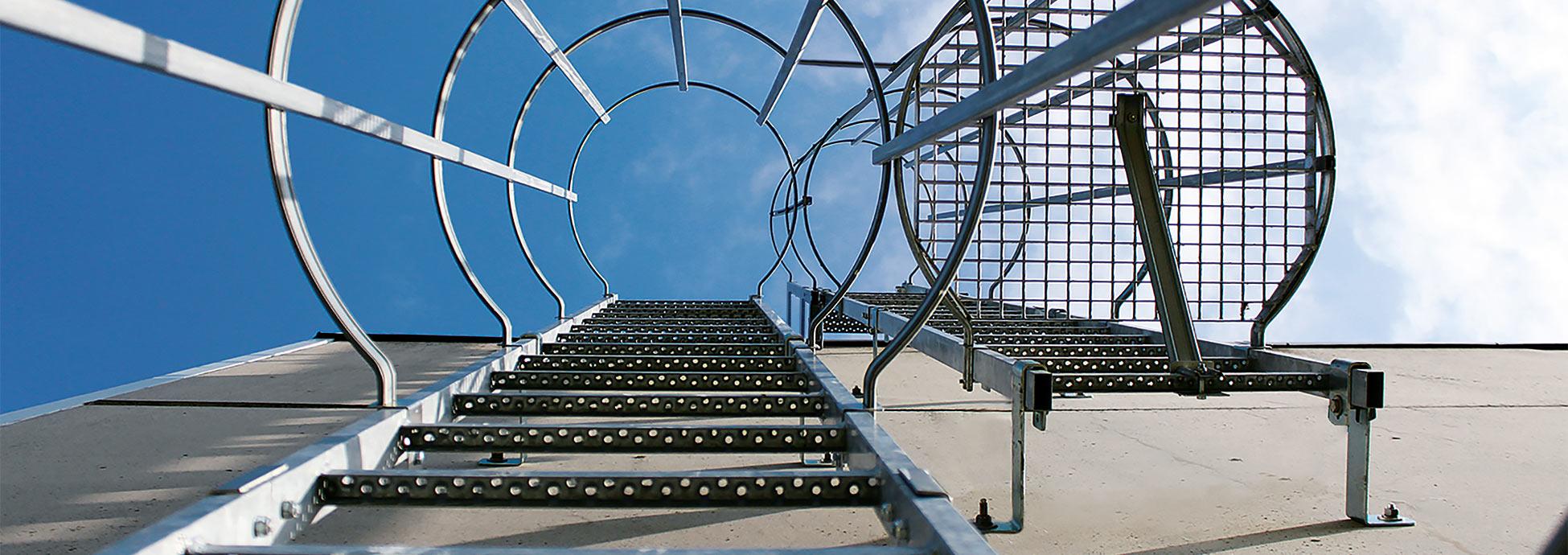 KRAUSE Rögzített létrák - Biztonságos fel- és lemászás, nagy magasságokban is